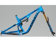 PIVOT CYCLES Mach 5.5 Bass Blue Frame with Fox DPS Evol shock